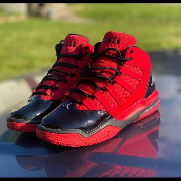 BOYS JORDANS RED/BLACK SZ 6.5Y
